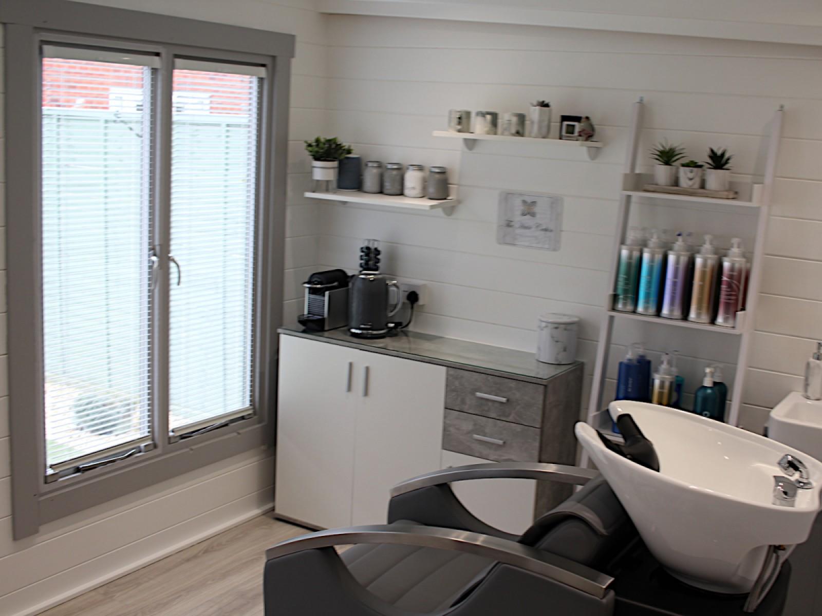 1624972421_Lillevilla 342 Internal (Salon).jpg
